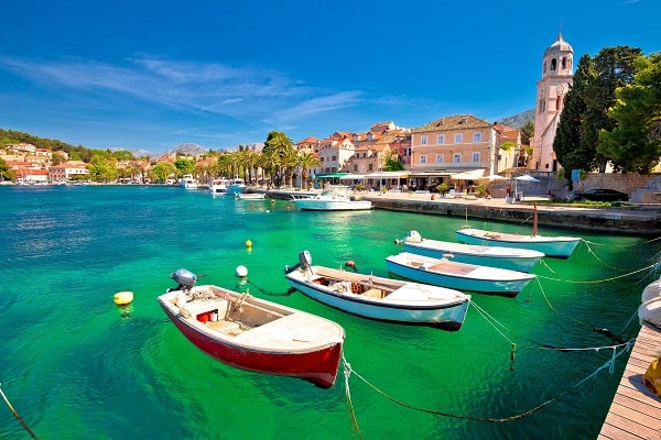 Apartments and private accommodation Cavtat Croatia