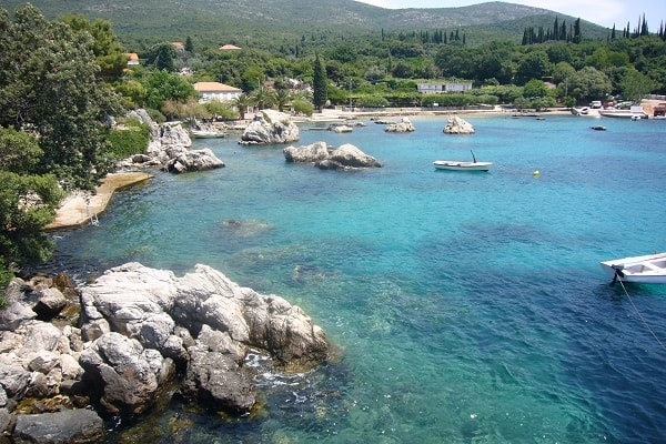 Apartments and private accommodation Molunat Croatia