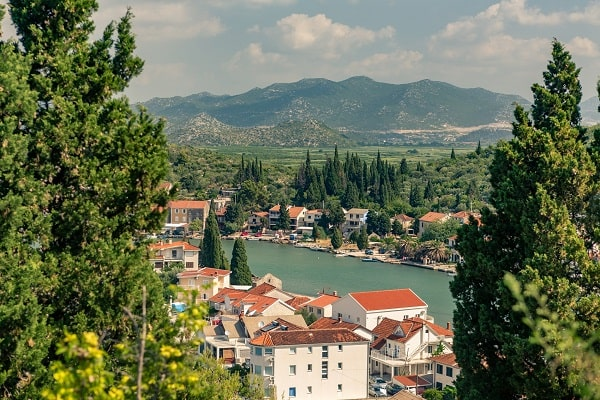 Apartments and private accommodation Opuzen Croatia