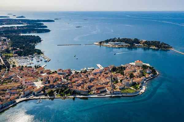 Cheap apartments and private accommodation Poreč