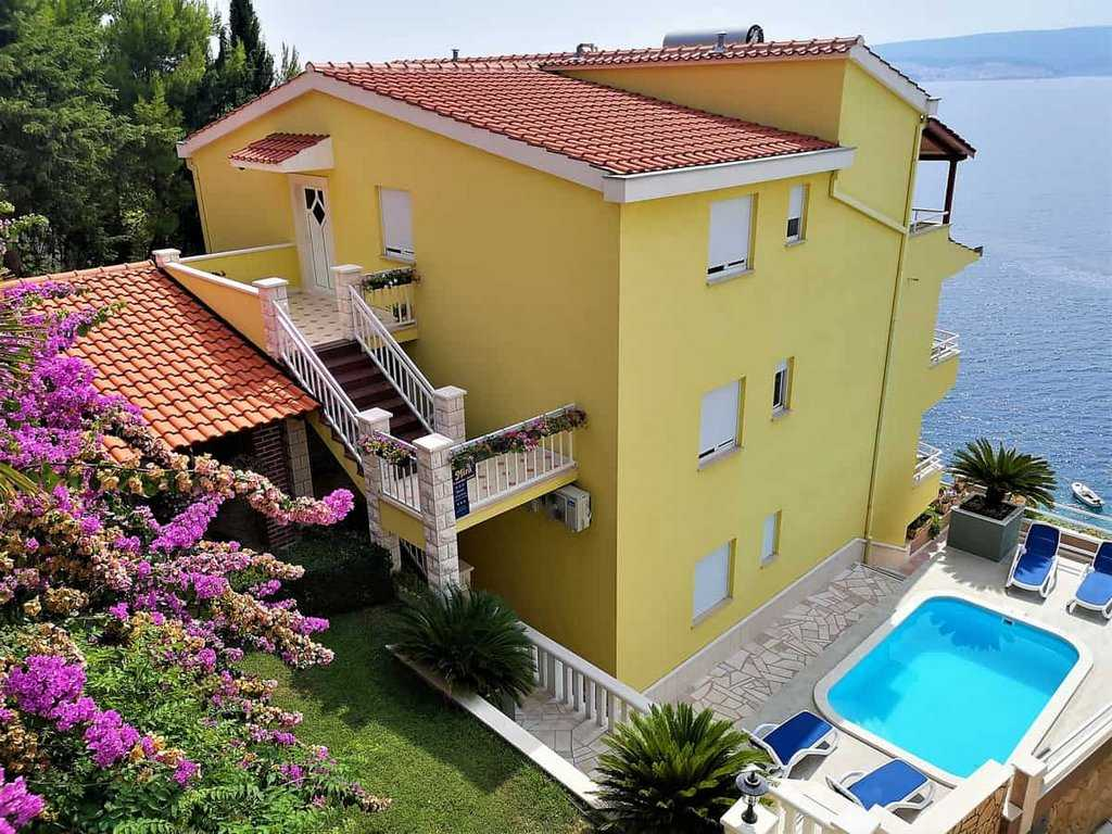 Apartments Villa Mira Omiš - Croatia
