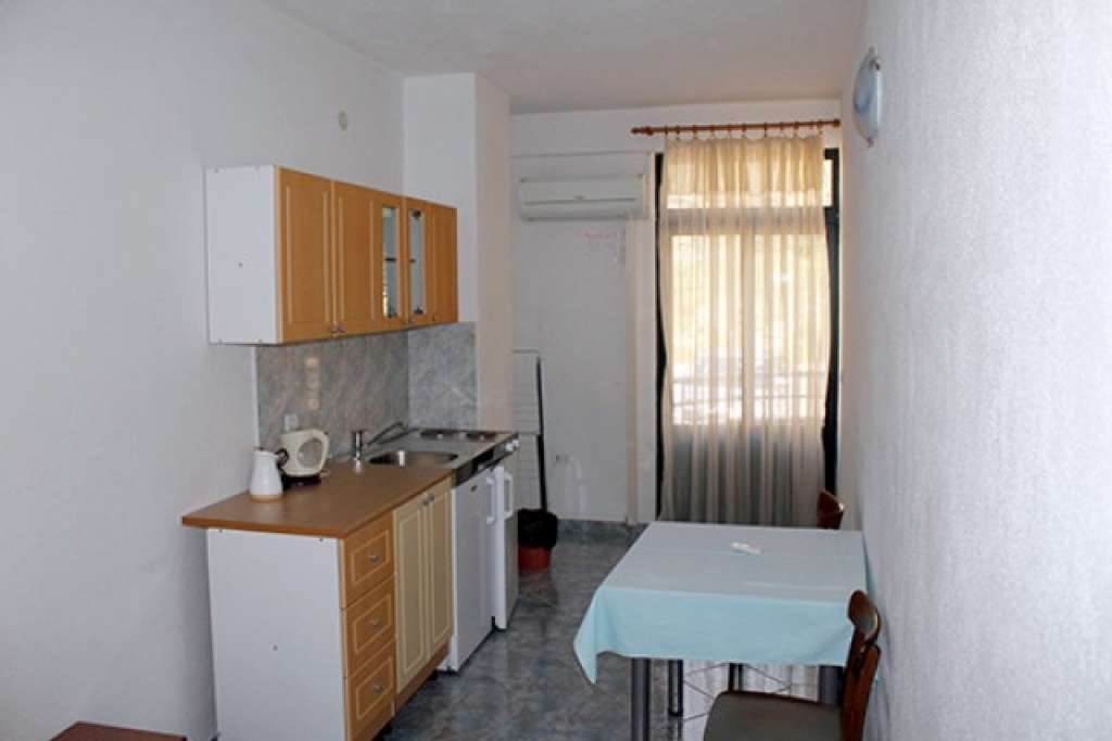 Apartments Villa Mediteran - Makarska, Croatia